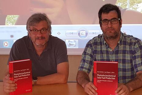 Prof. Bisquert y Dr. Giménez