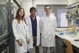 Investigadores del Proyecto en las instalaciones del INAM; Pilar Borja, Jose A. Mata y Andrés Mollar. (Foto Àlex Pérez)
